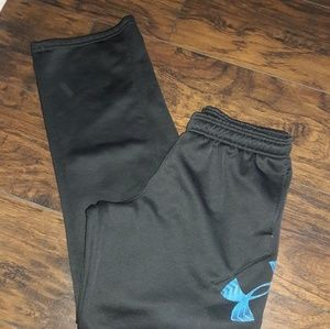 Youth size XL Under Armour athletic pants